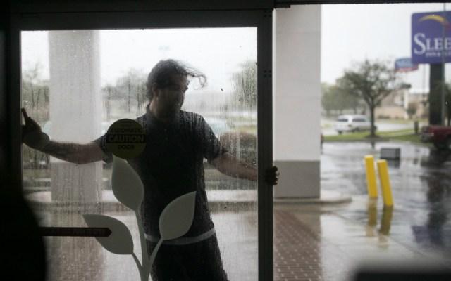 Rescatan a 60 personas de motel en Carolina del Norte por Florence - Foto de AFP