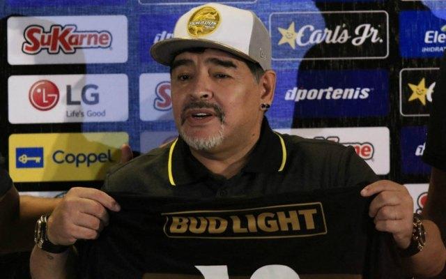 Maradona afirma que Edgardo Codesal es un ladrón - Foto de Milenio