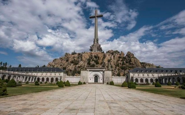 Parlamento español aprueba exhumar a Francisco Franco de mausoleo - Foto de internet