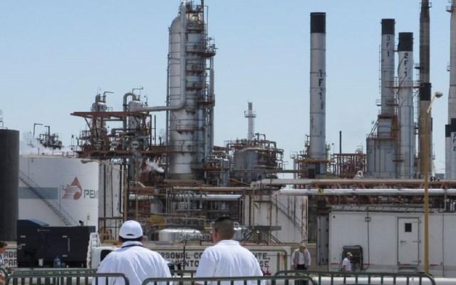 Preocupa a Moody's que Pemex y CFE sean una carga para México - Foto de Internet