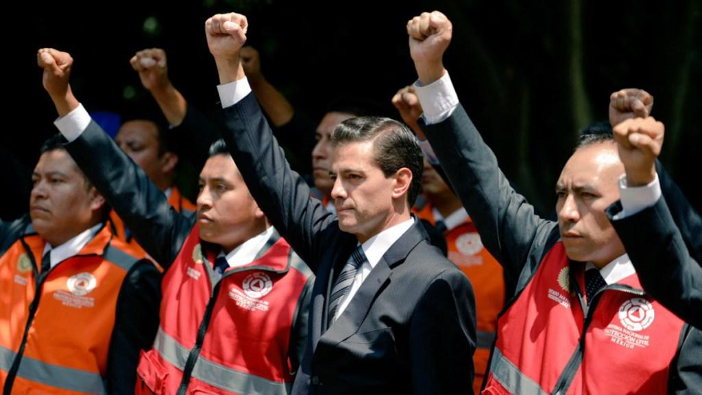 Peña Nieto agradece a militares y sociedad civil por reacción en sismos - Foto de @epn