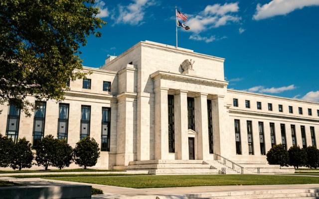 La Fed sube tasas de interés por cuarta vez en el año - la fed mantiene las tasas de interés
