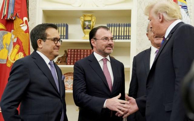 Si México no se sumaba a EE.UU., Trump hubiera echado abajo el TLCAN: experto - Foto de AFP