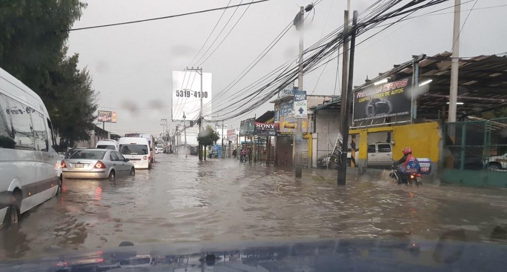 Lluvias dejan inundaciones en Tultitlán - Foto de Twitter @a6240999