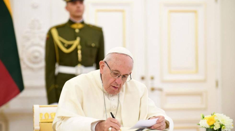 El Vaticano y China firman su primer acuerdo en 70 años - Foto de El País