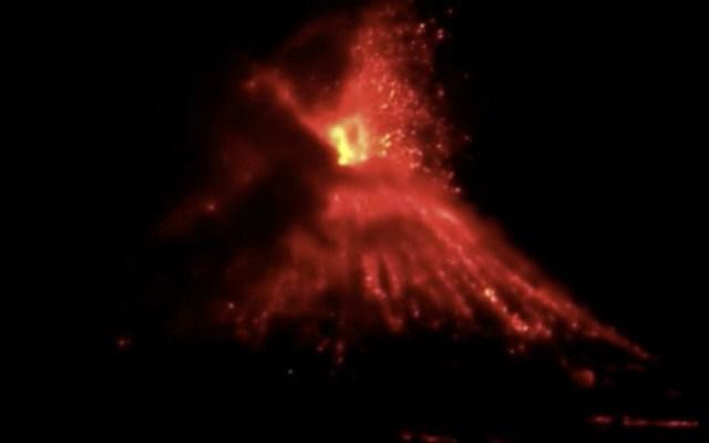 #Video Explosión del Anak Krakatau en Indonesia - Foto de Internet