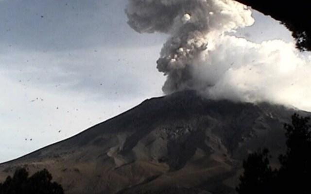 #Video Registra Popocatépetl explosión con fumarola - Foto de @LUISFELIPE_P