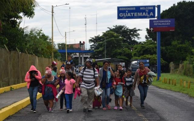 Migrantes hondureños llegan a la frontera con México - Foto de AFP