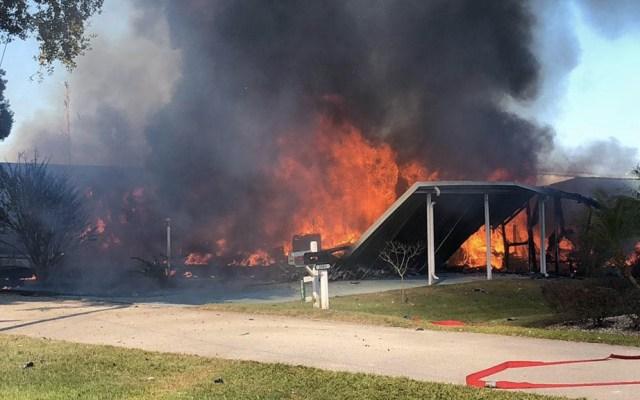 Helicóptero se estrella en parque de casas rodantes en Florida - Casas rodantes