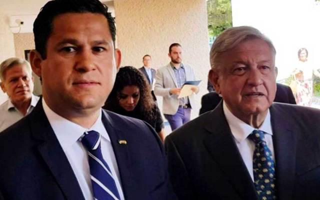 AMLO trabajará con gobernador en beneficio de Guanajuato - Foto de Periódico Correo