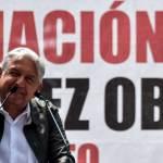 López Obrador atiende peticiones de indígenas en su visita a Durango - Foto de AFP