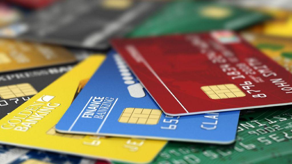 Aseguran a hombre por fraudes millonarios con tarjetas de crédito - Tarjetas de crédito. Foto de Internet