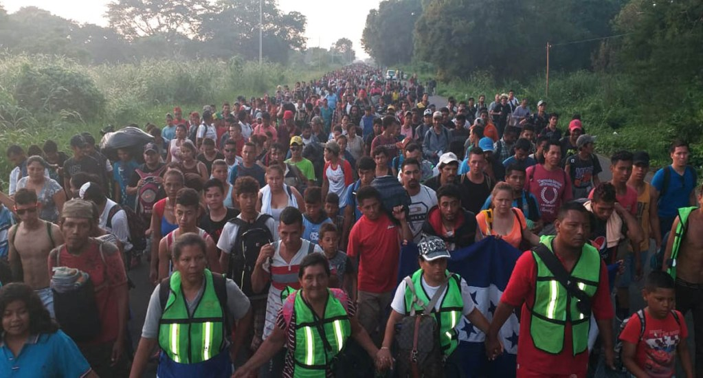 Caravana migrante reanuda viaje a Estados Unidos. Noticias en tiempo real