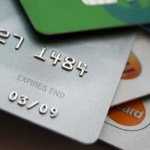 Delincuencia ganó 9 mil 231 mdp por medio de fraudes bancarios en México - Tarjetas bancarias. Foto de Internet
