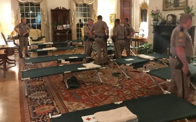 Gobernador de Florida abre mansión a tropas tras daños por Michael - Foto de @FLGovScott