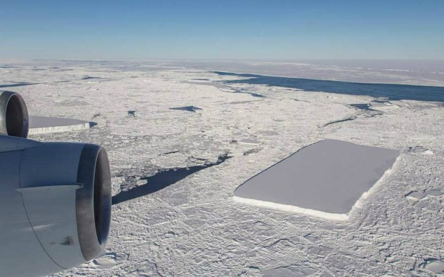La NASA descubre otro iceberg rectangular en la Antártida - Foto de NASA