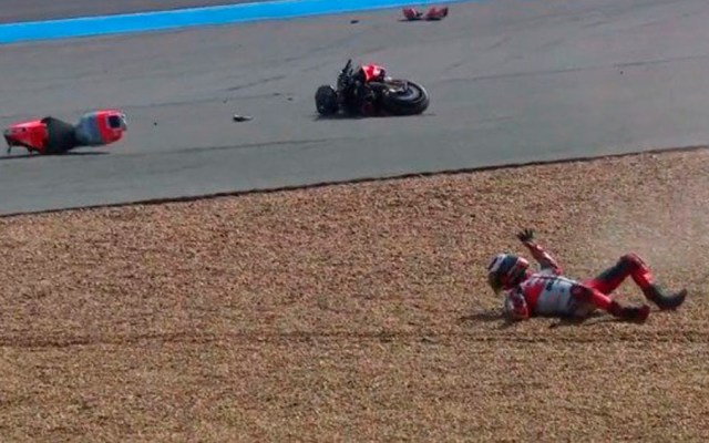 #Video Piloto de MotoGP sufre aparatosa caída en Tailandia