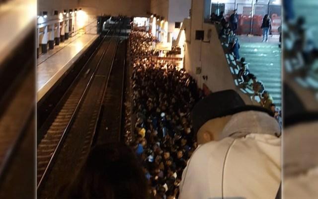 Falla en andén genera caos en la Línea A del Metro - Pantitlán