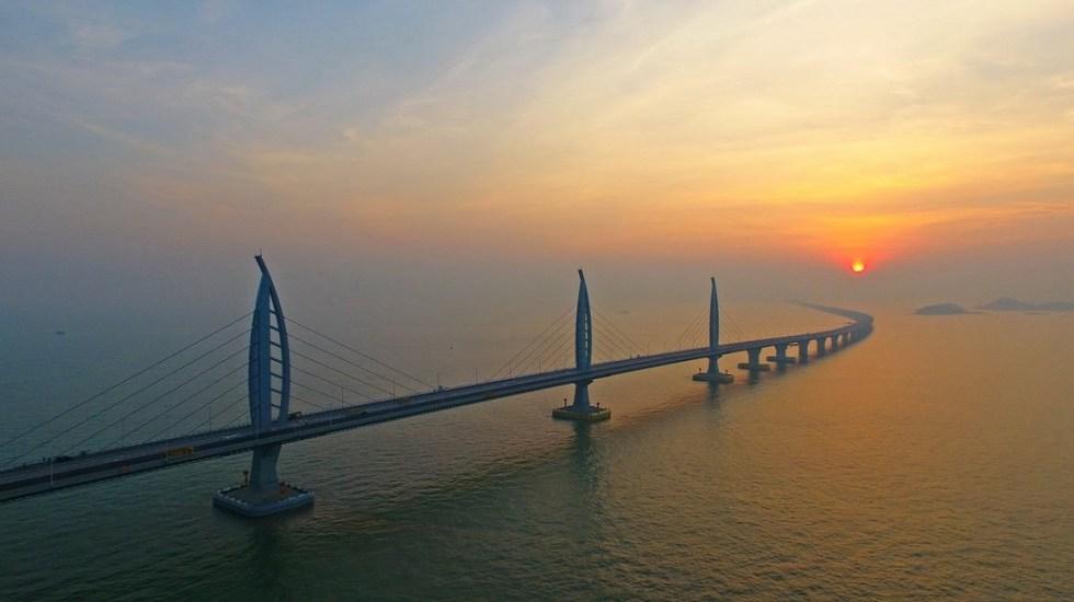 Inauguran el puente más largo del mundo en China - Puente Hong Kong-Zhuhai-Macao. Foto de Xinhua