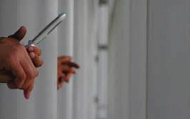 Reos no deberían tener celular: Causa en Común - Foto de Internet