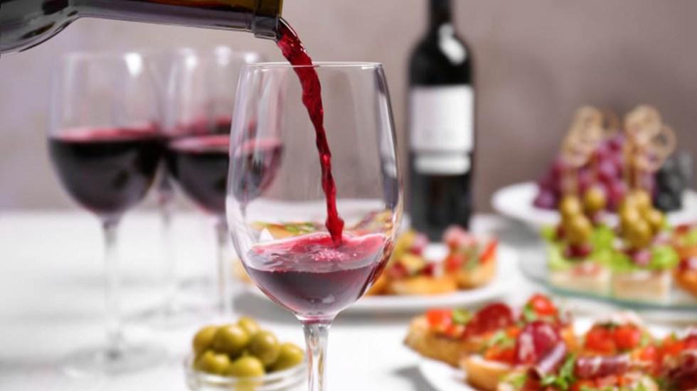 Los países que pasan más tiempo comiendo y bebiendo - Vino tinto en la comida