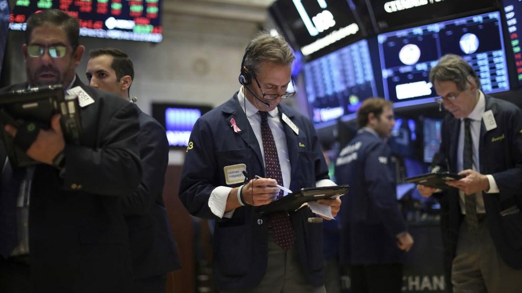 Bolsa de Valores de Nueva York se recupera de las caídas semanales - Wall Street