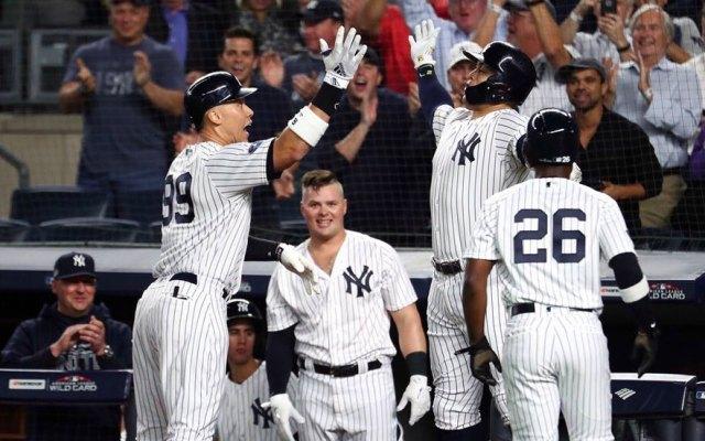 Yankees avanzan y buscarán saldar cuentas con Boston - Yankees celebran