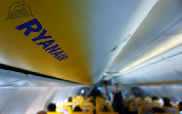 Embargan avión de Ryanair con pasajeros a bordo en Francia - Foto de AFP