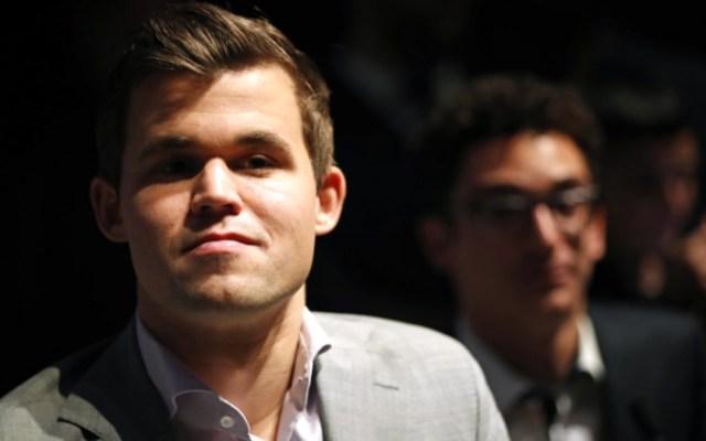 Magnus Carlsen refrenda el título mundial de Ajedrez - Foto de AFP