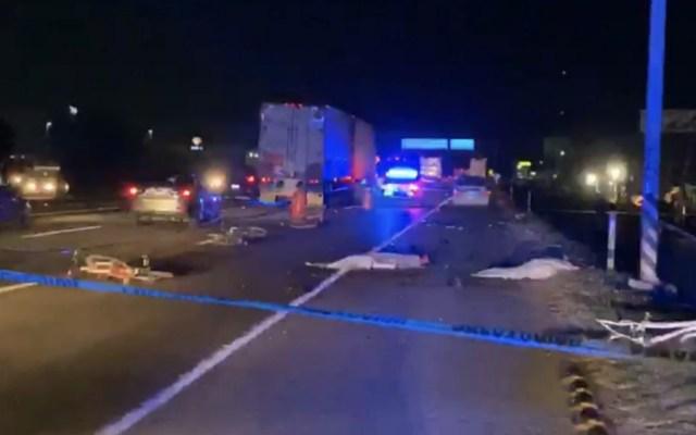 Al menos dos ciclistas muertos tras ser arrollados por camión en la México-Querétaro - Foto de captura de pantalla