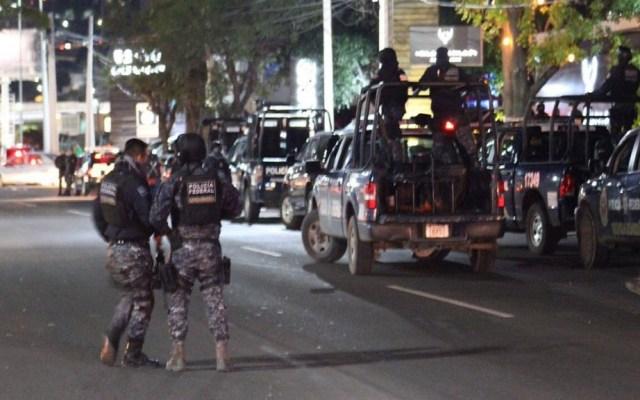 Detienen a dos narcotraficantes buscados por EE.UU. en Querétaro - Despliegue policiaco para la detención de presuntos miembros del Cártel del Pacífico. Foto de Noticieros Televisa