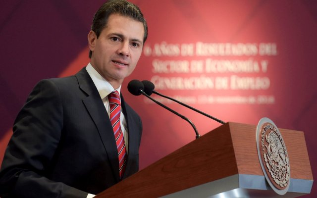 EPN condecora con la Orden Águila Azteca a Stephen Allen Schwarzman - Stephen Allen Schwarzman