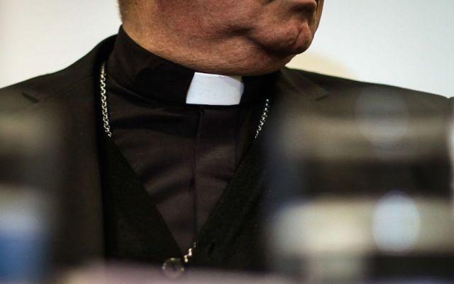 Iglesia en EE.UU. revela nombres de 286 sacerdotes acusados de abuso sexual