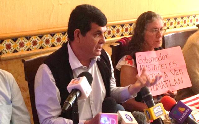 Denuncia edil de Tomatlán falta de ayuda estatal tras paso de Willa - Jorge Luis Tello García, presidente municipal de Tomatlán. Foto de @Metropoli1150