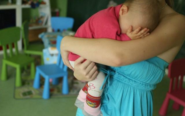 Estudio revela que cuidar niños es más cansado que trabajar - Foto de Getty Images