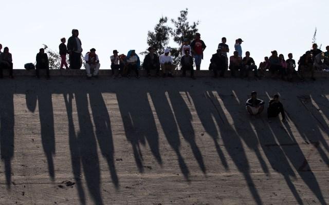 Reciben facilidades para obtener empleo formal 686 migrantes - Foto de GUILLERMO ARIAS / AFP.
