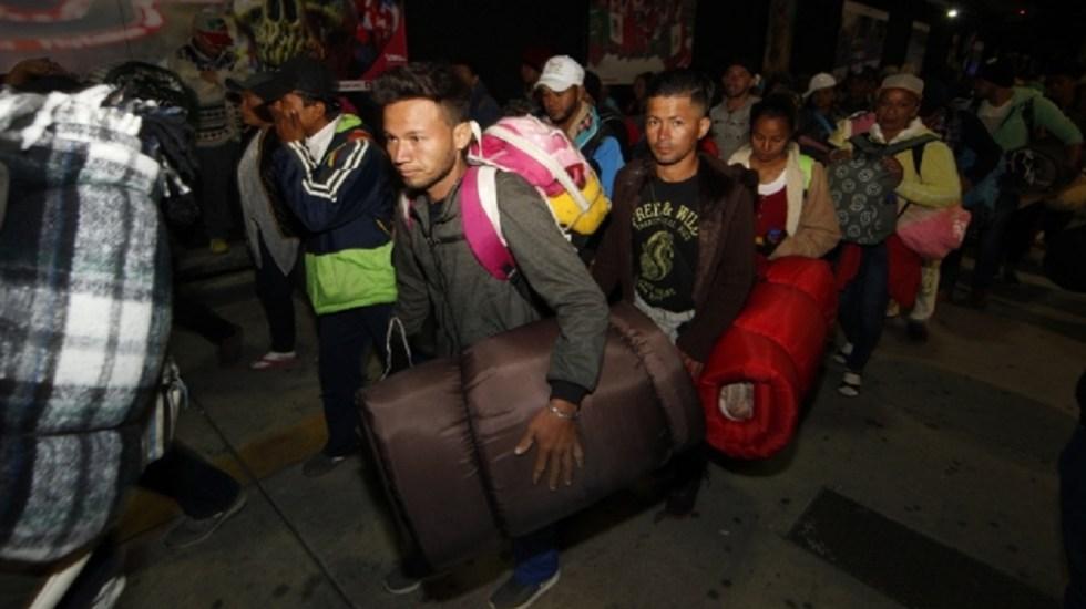 Caravana migrante deja Magdalena Mixhuca y avanza hacia Querétaro - Foto de Notimex