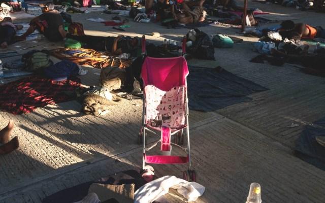 Nace niña durante paso de la caravana migrante por Oaxaca - La niña nació con buena salud. Foto de AFP / Guillermo Arias