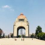 Los enemigos que 'habitan' el Monumento a la Revolución - Foto de Tania Villanueva/ López-Dóriga Digital