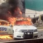 Mantienen bloqueo de la México-Pachuca; queman otra patrulla y hay saqueos