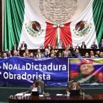 PAN protesta en San Lázaro contra Ley de Administración Pública Federal - Protesta del PAN contra Ley de Administración Pública Federal. Foto de @diputadospan