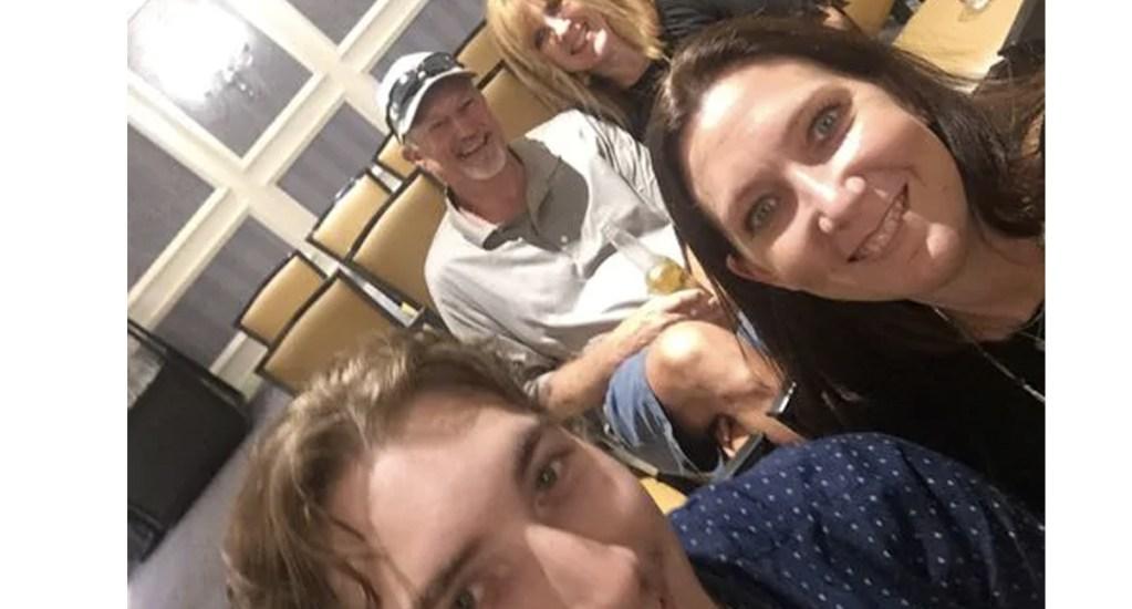 Selfie salva a joven de condena de 99 años de cárcel - Foto de USA Today