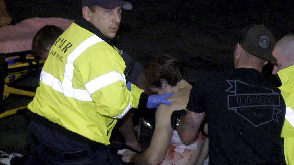 Servicios de emergencia trasladaron a los heridos a diversos hospitales. Foto de AP