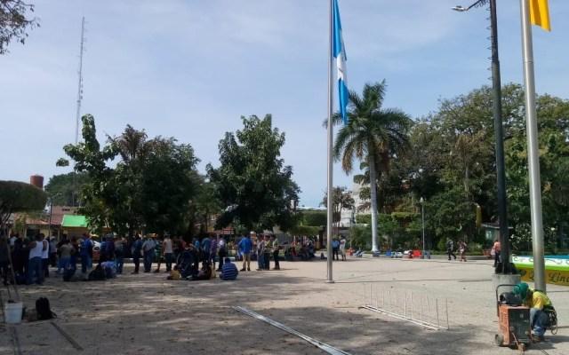 Llega a Tecún Umán cuarta caravana de migrantes salvadoreños - Foto de @VMillenium