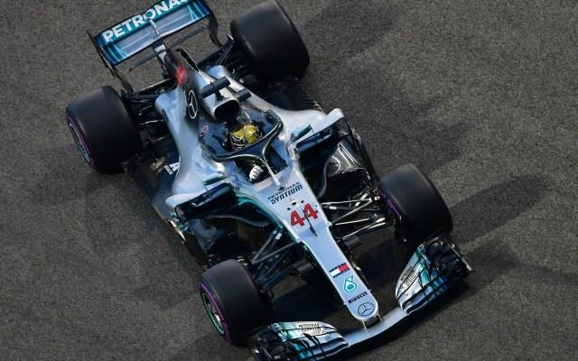 Reflejos del GP de Abu Dhabi 2018 - Lewis Hamilton. Foto de AFP