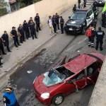 Vehículo cae de puente en Ecatepec