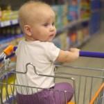 Bebé sufre severa infección tras tocar un carrito de supermercado - Foto de Depositphotos
