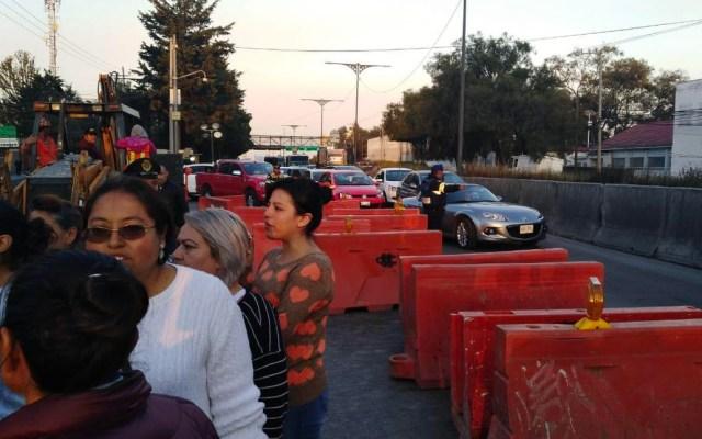 Bloquean carretera federal México-Toluca por falta de agua - Foto de Cie México