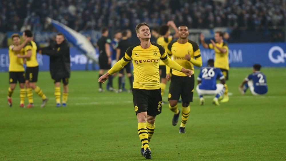 Borussia Dortmund gana derbi al Schalke y mantiene brecha con el Bayern - Foto de AFP