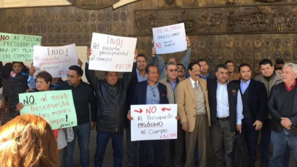 Campesinos bloquean accesos a San Lázaro - Foto de Internet